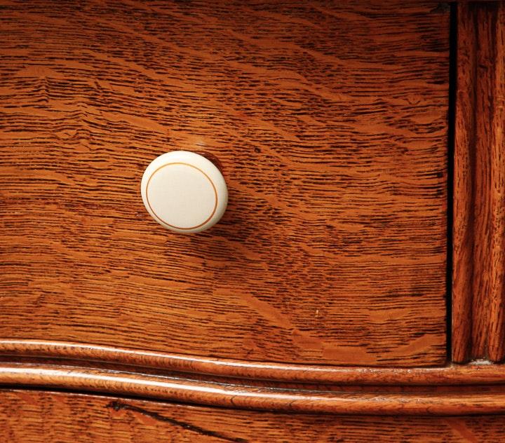 4148323 Small Wooden Dresser on Quarter Sawn Oak Dresser