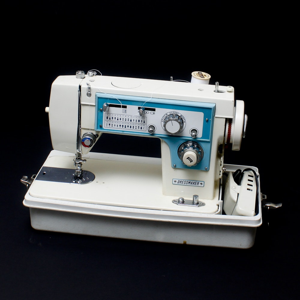 how to thread a dressmaker sewing machine