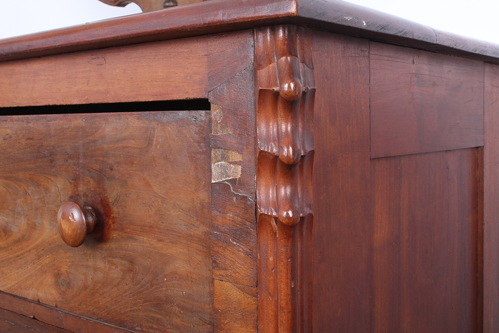 Classic Dresser With Vanity Mirror Ebth