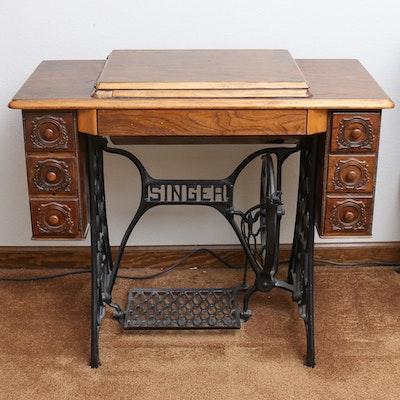 vintage singer sewing machine and table ebth. Black Bedroom Furniture Sets. Home Design Ideas