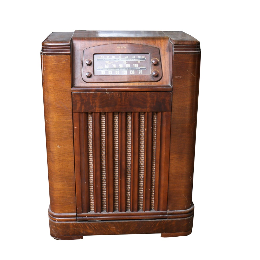 Genial 1940s Philco Radio Cabinet With Record Player ...