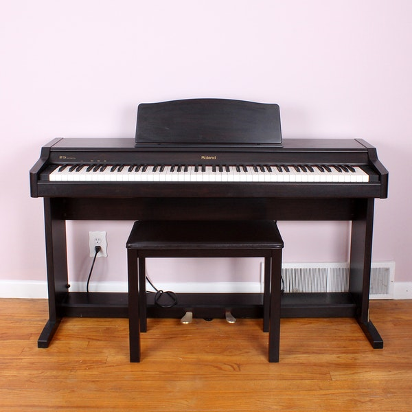 roland digital electric piano ebth. Black Bedroom Furniture Sets. Home Design Ideas