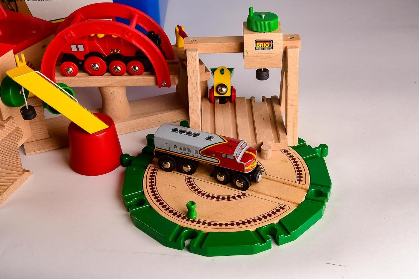 set of brio trains and tracks ebth. Black Bedroom Furniture Sets. Home Design Ideas