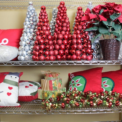 Holiday decor auctions christmas decor auctions in art for Sia home fashion christmas decorations
