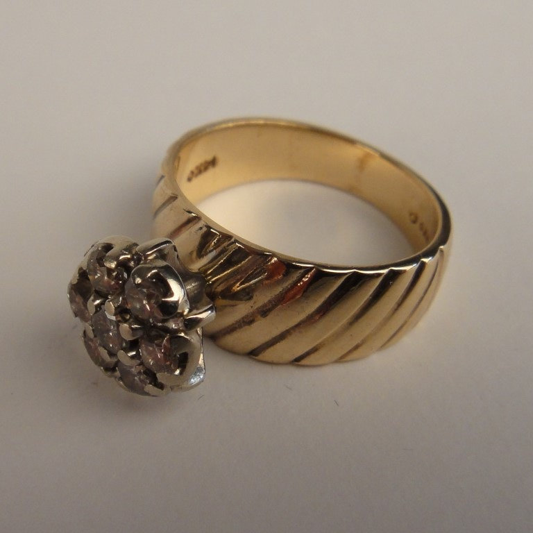 Lady's 14K Yellow Gold and Diamond Ring