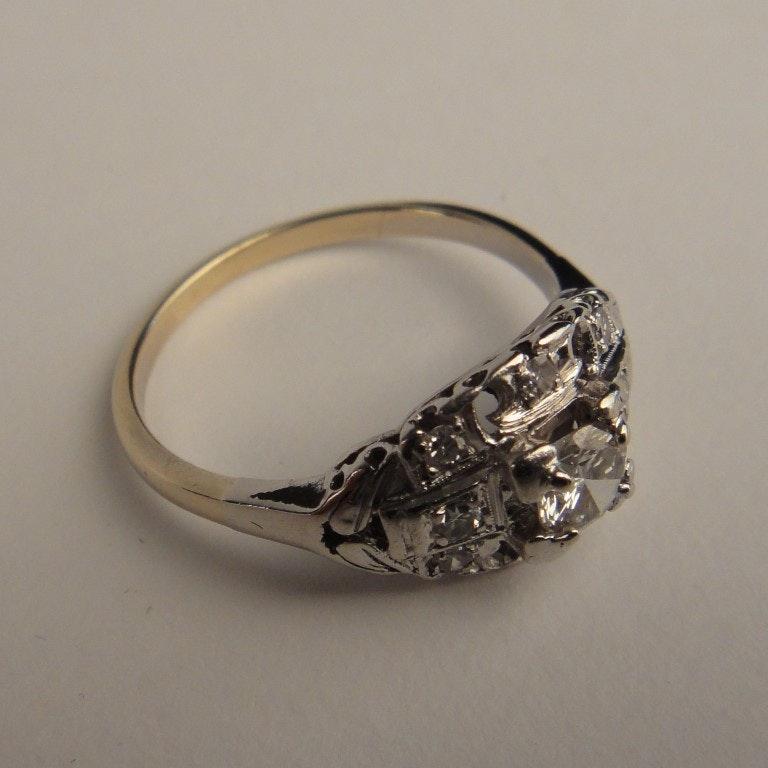 14K Platinum and Diamond Art Deco Lady's Ring
