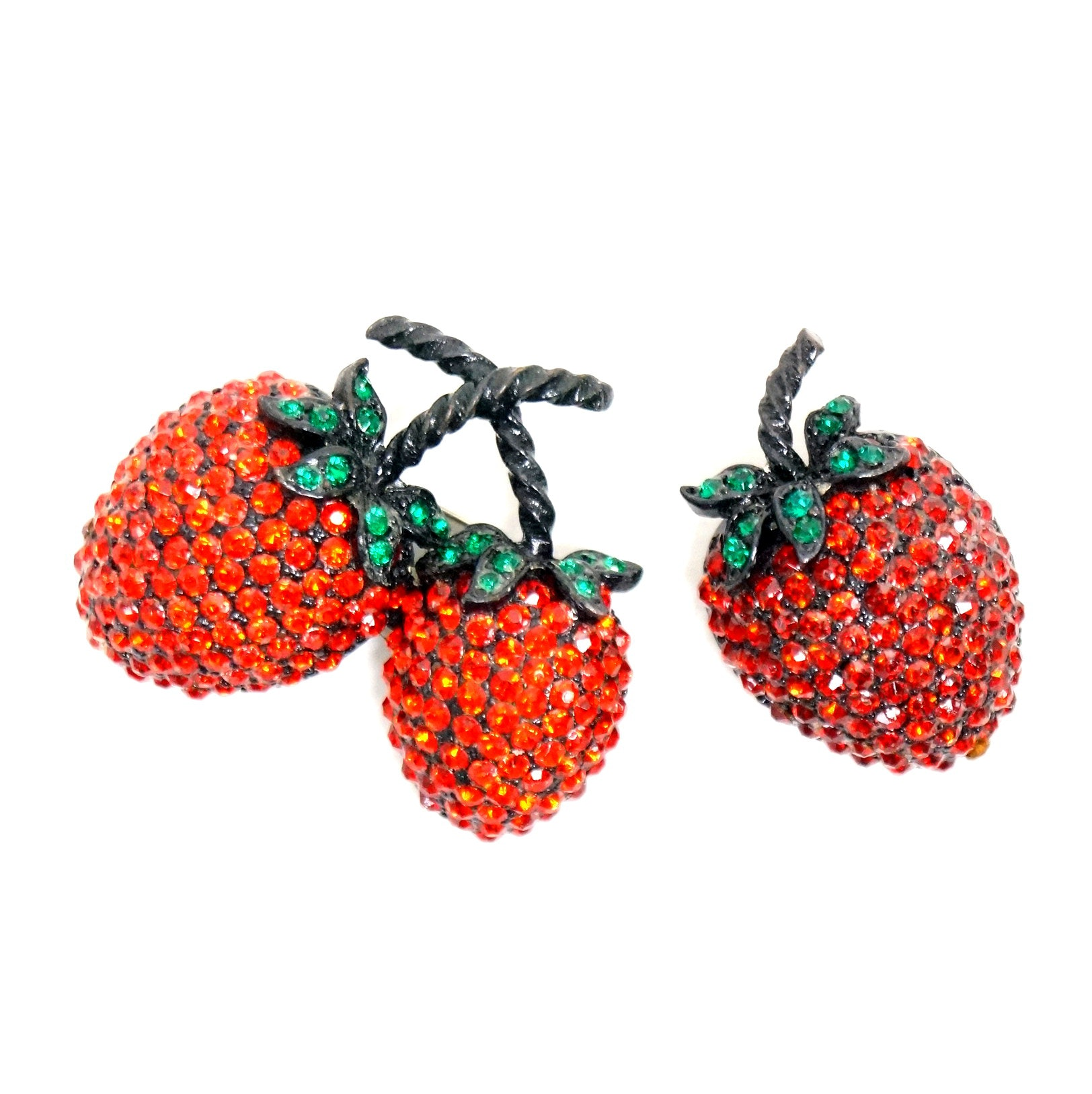 Vintage Strawberry Weiss Rhinestone Brooches