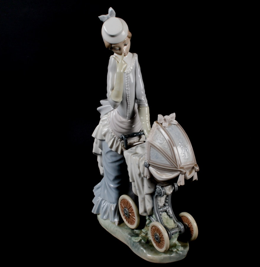 Lladro Quot Baby S Outing Quot Figurine Ebth