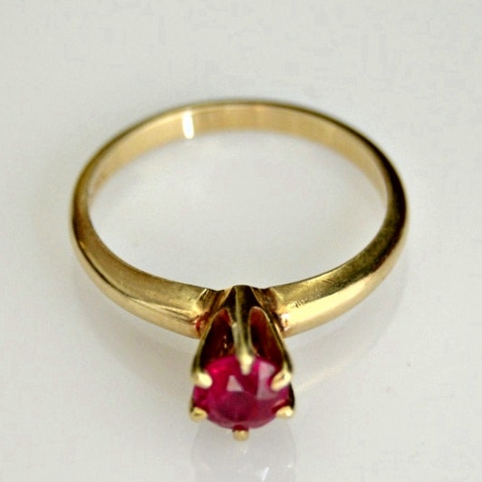 14K Yellow Gold Ring with Synthetic Ruby
