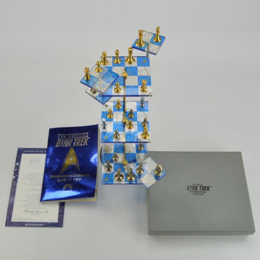 Official Franklin Mint Star Trek Tridimensional Chess Set With Coa