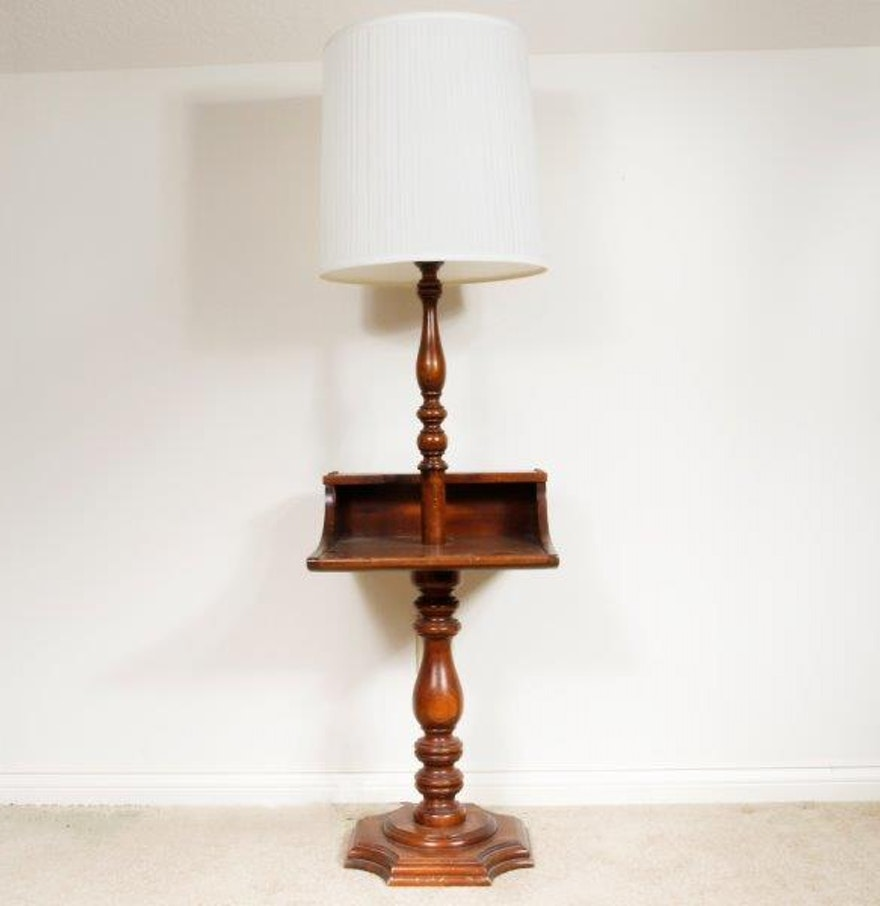 Vintage wooden lamp table ebth for Vintage wooden table lamps
