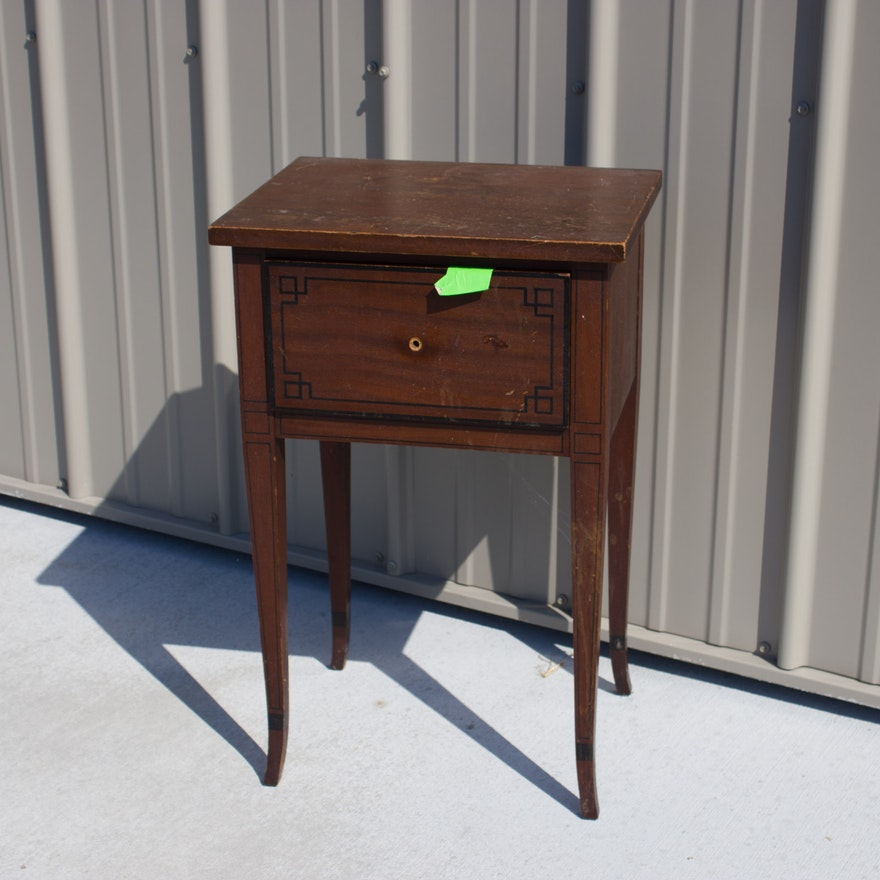 True Grand Rapids Certified End Table