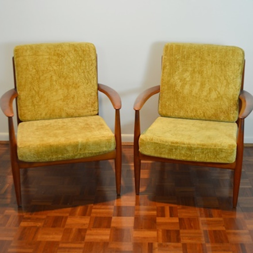 Pair Of Mid Century Chairs Designed By John Stuart Inc