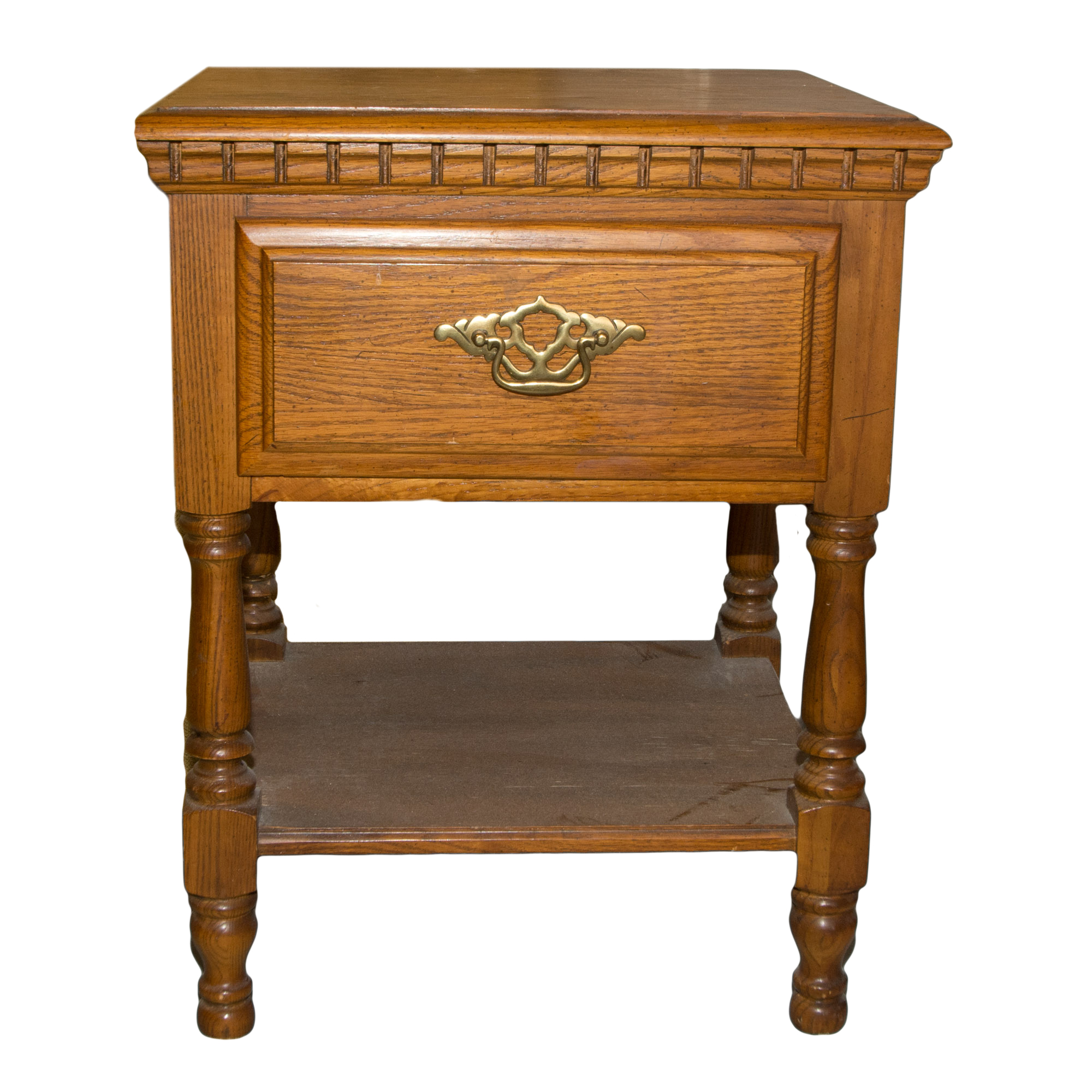 Sumter Cabinet Co. Nightstand : EBTH
