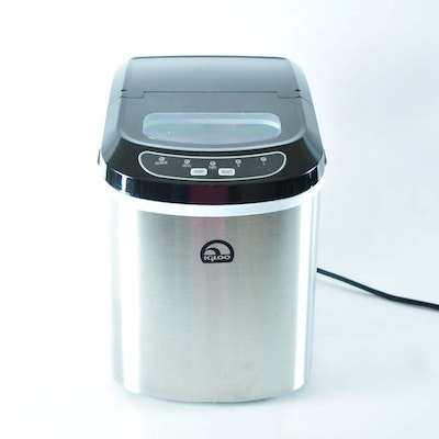 Igloo Portable Countertop Ice Maker Youtube : 1928 Singer Sewing Machine 99-13 and Table : EBTH