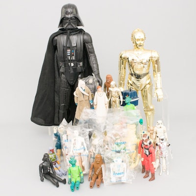 Vintage Star Wars Action Figures, Some Sealed in Cello Bags