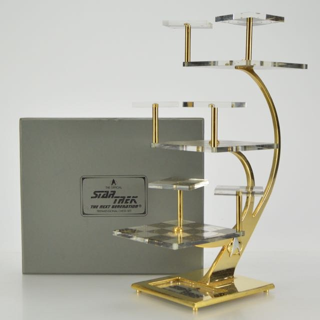 """Official Star Trek """"The Next Generation"""" Tridimensional Chess Set by Paramount"""