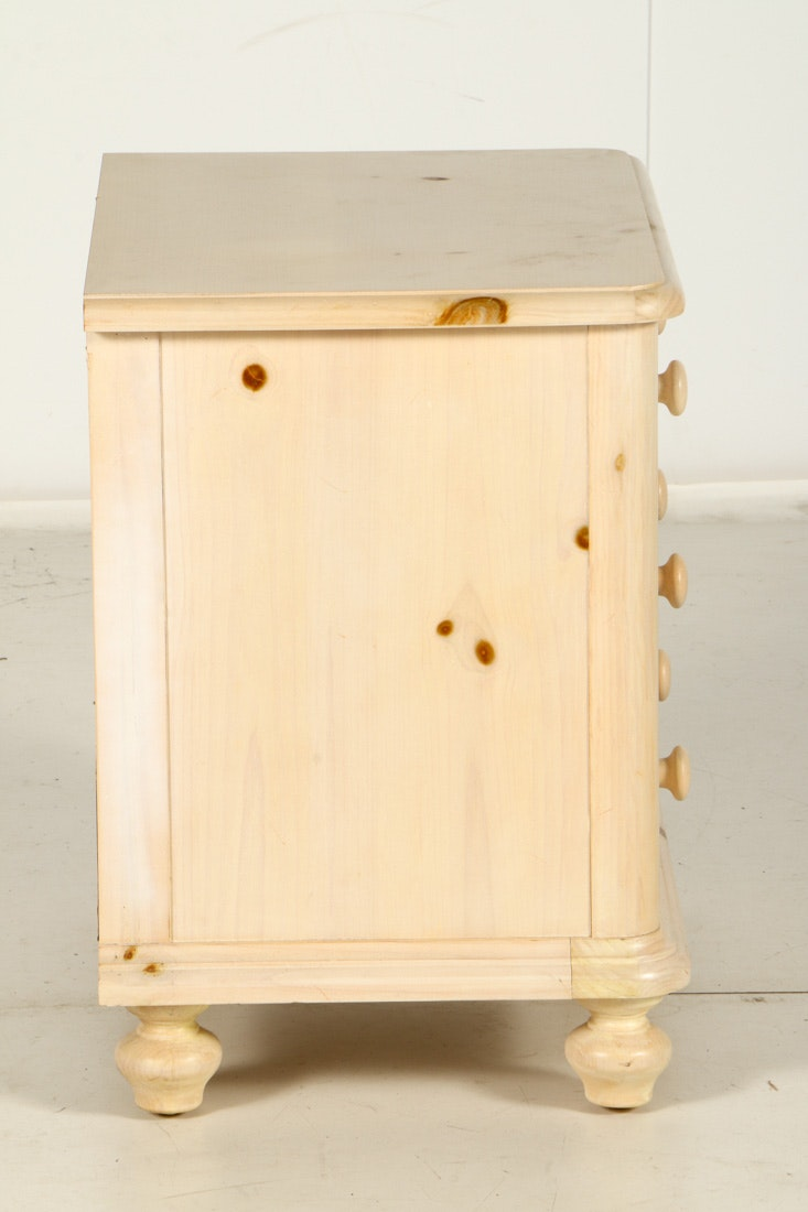 Thomasville Impressions Country Style Night Stand : EBTH
