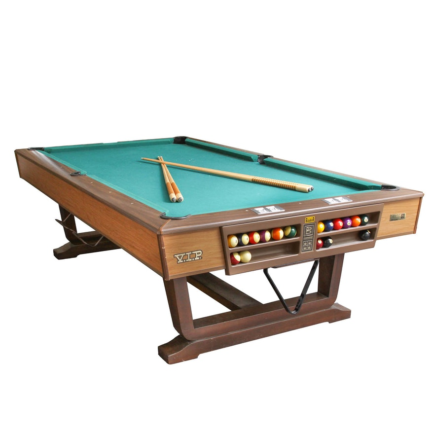 Brunswick VIP Home Billiard Table And Collection Of Pool Cues EBTH - Pool table scorekeeper