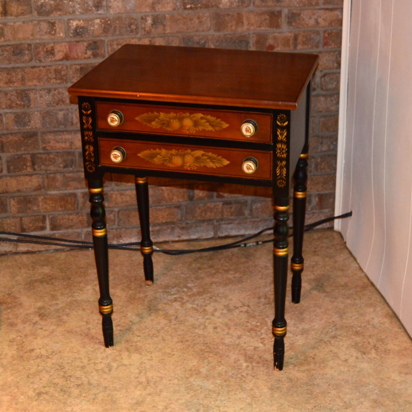 Hitchcock Chair Company Colonial Accent Table ...