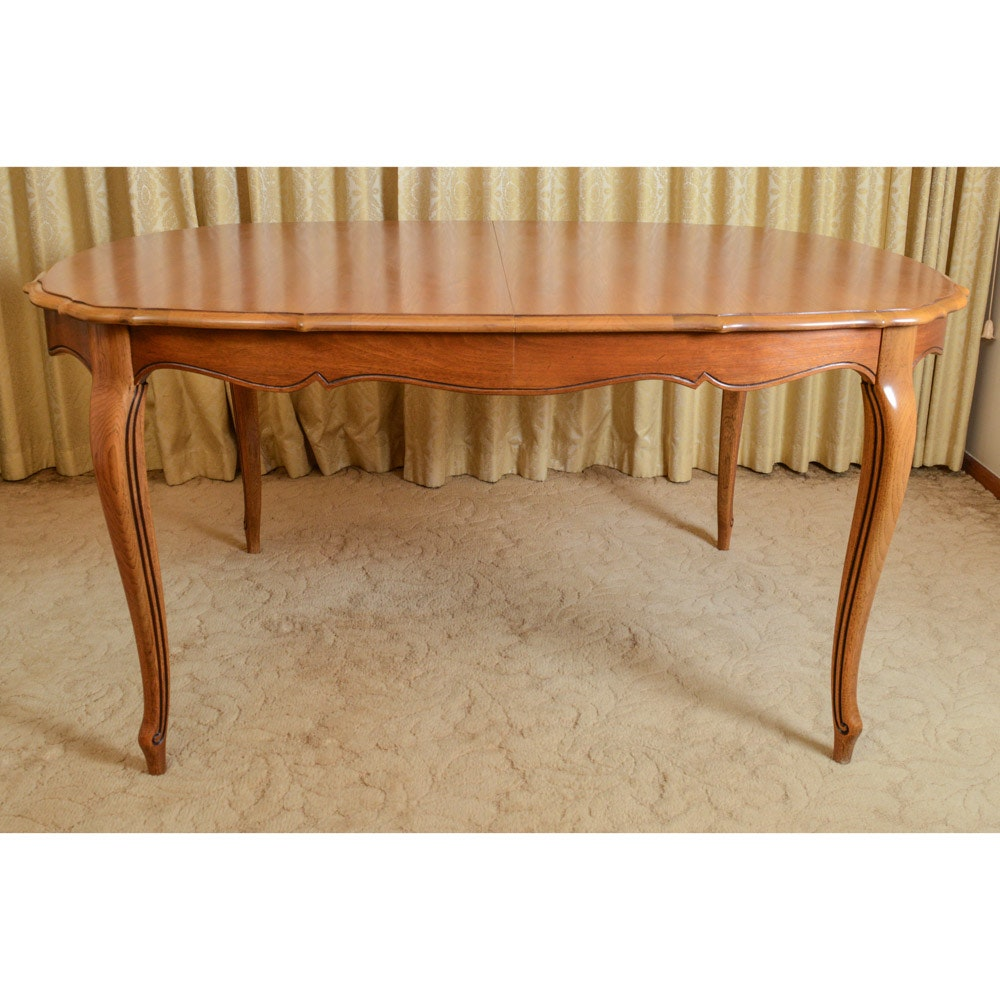 Vintage Pecan Thomasville Dining Table EBTH : 16COL117 1233jpgixlibrb 11 from www.ebth.com size 880 x 880 jpeg 116kB