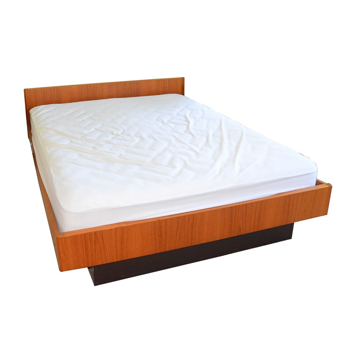 Contemporary Queen Size Platform Bed Frame