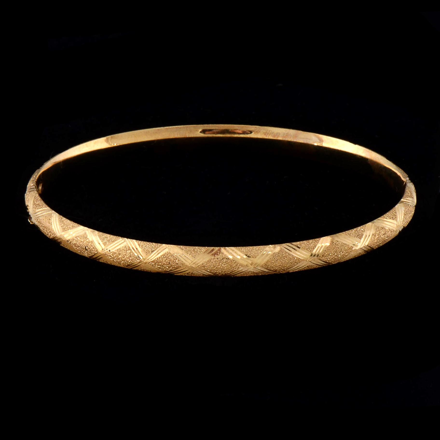 Avon 14K Yellow Gold Engraved Bangle EBTH