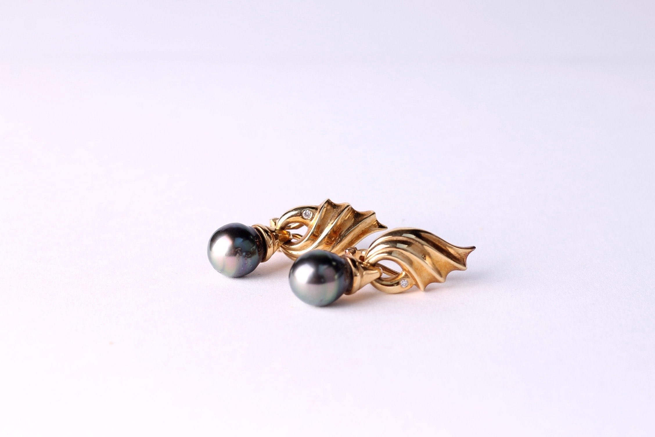 18K Yellow Gold and Black Pearl Drop Earrings