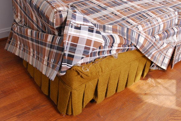 Brown plaid slipcovered sofa ebth - Plaid para sofa ...