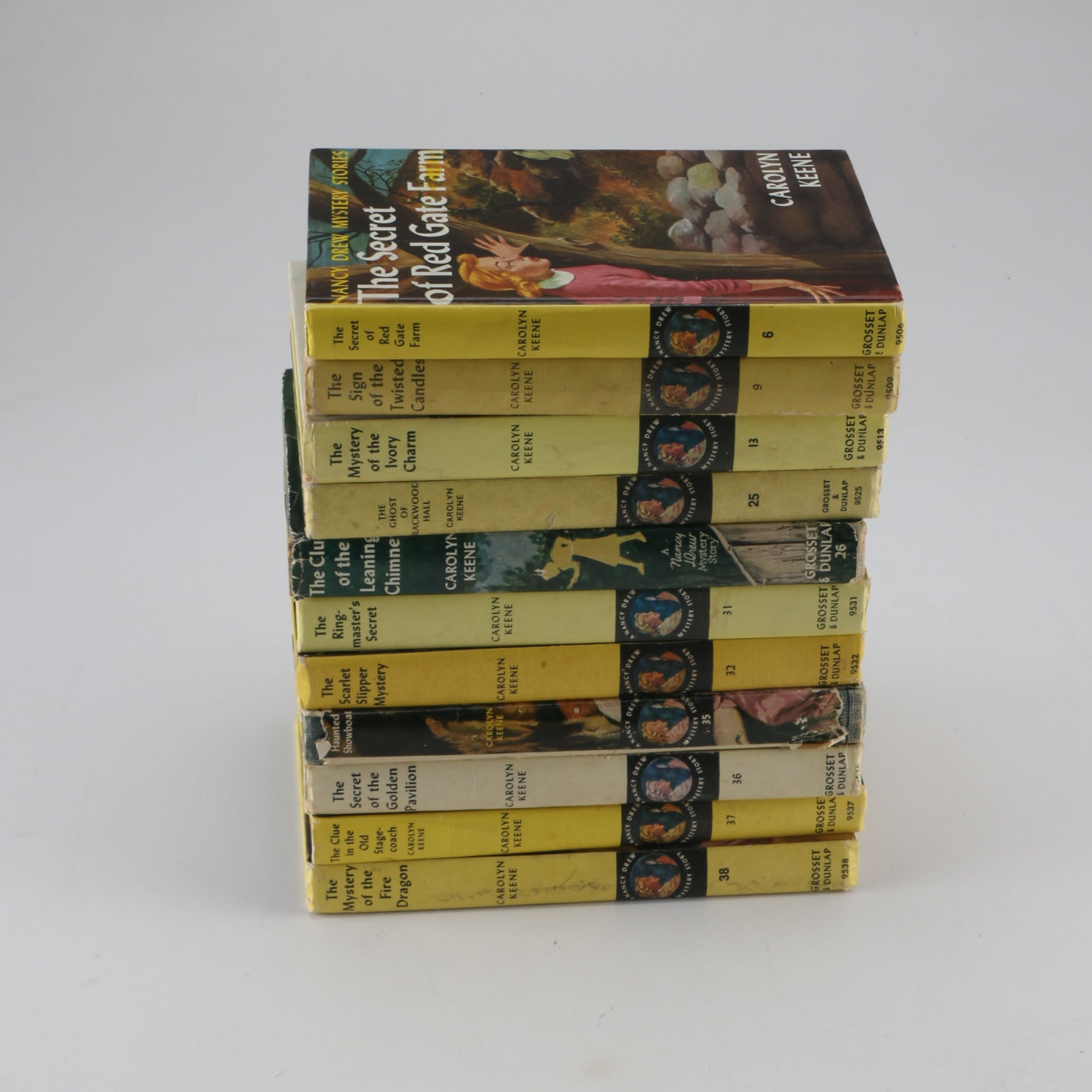 Lot of 26 Vintage Nancy Drew Books