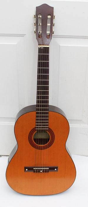 Yamaha   Classical Guitar Inside