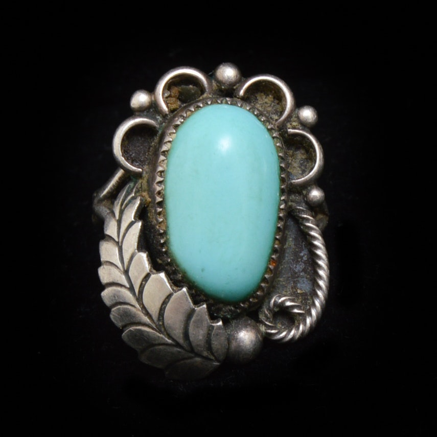 Collectibles, Jewelry, Décor & More