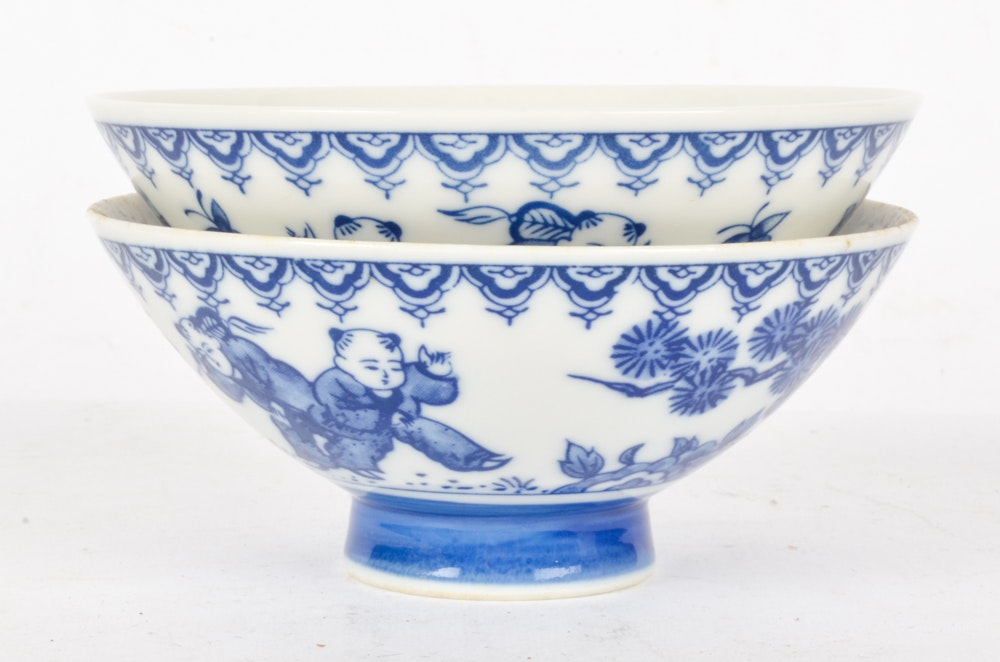 Blue And White Chinese Ceramic Pieces Ebth