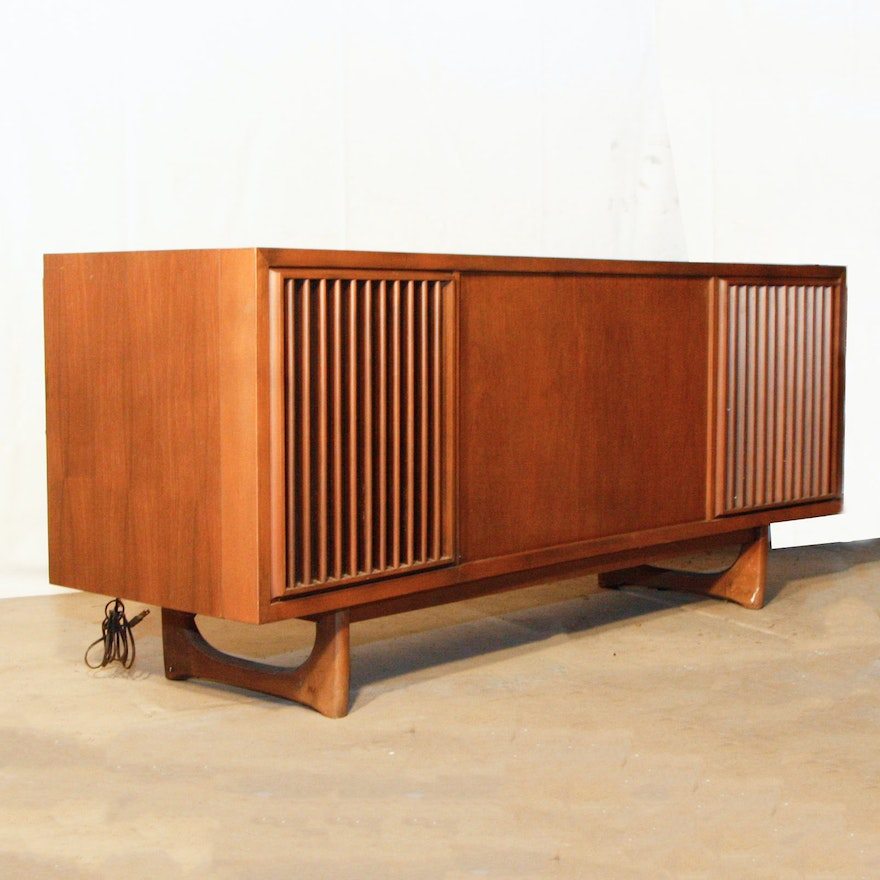 Mid-Century RCA Victor Stereo Console