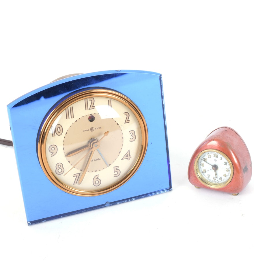 Pair of art deco vintage alarm clocks ebth Art deco alarm clocks