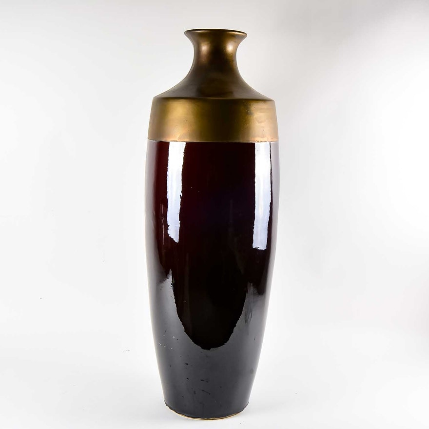Decorative Contemporary Vase Ebth