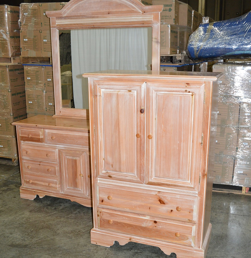 armoire and vanity dresser with mirror ebth. Black Bedroom Furniture Sets. Home Design Ideas