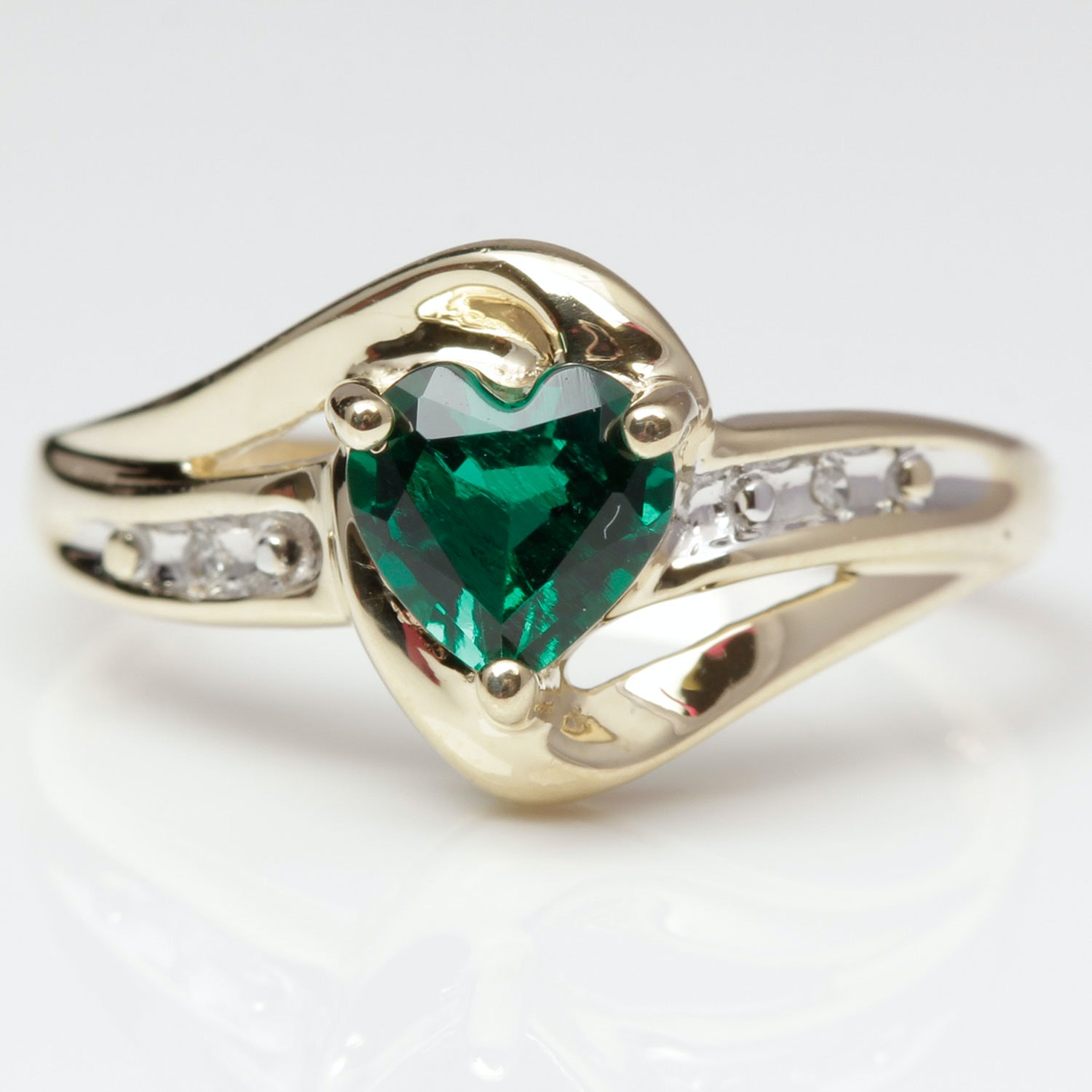 10k yellow gold and imitation emerald ring ebth