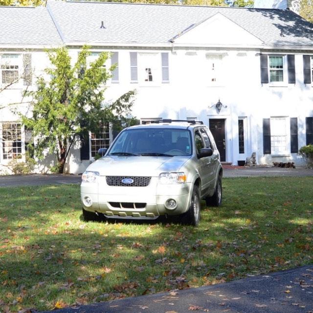 2005 Ford Escape Limited Compact SUV