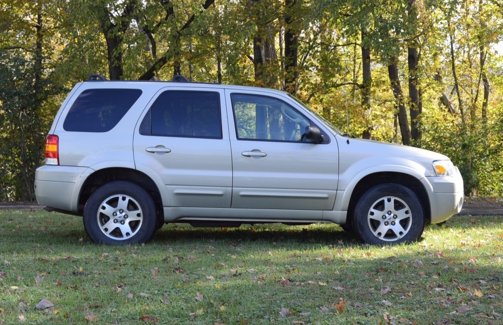 2005 ford escape limited compact suv ebth. Black Bedroom Furniture Sets. Home Design Ideas