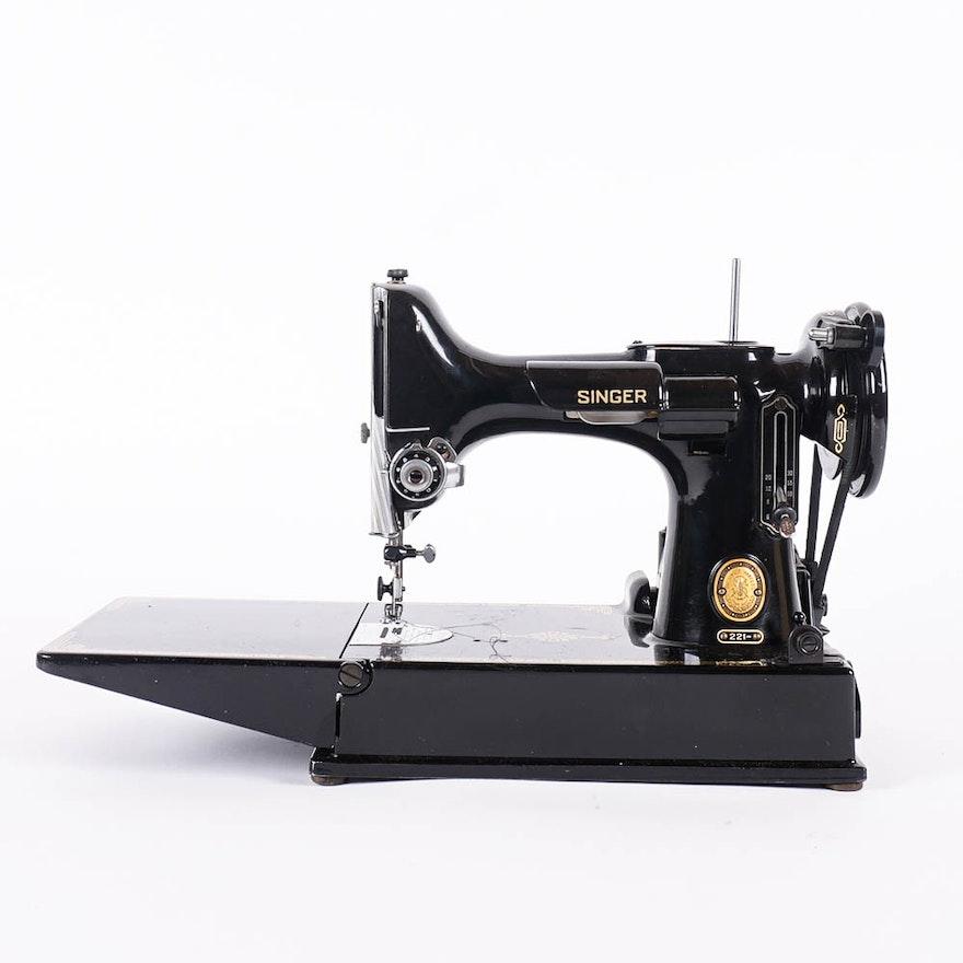 Circa 40 Singer Featherweight Sewing Machine Model 4040 EBTH Cool Singer Sewing Machine 221 1