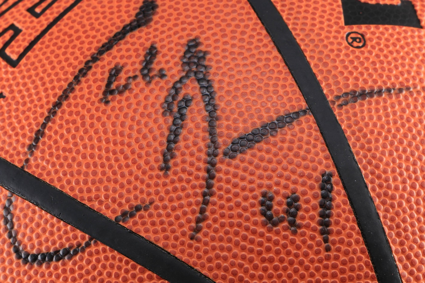Akron Auto Sales >> 2000/2001 Los Angeles Clippers Team Signed Basketball | EBTH