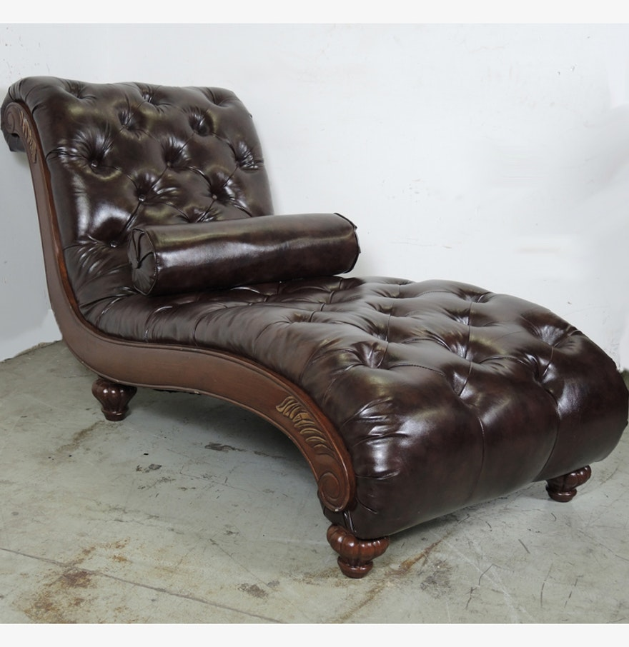 Newport furniture tufted leather chaise lounge chair ebth for Chaise western