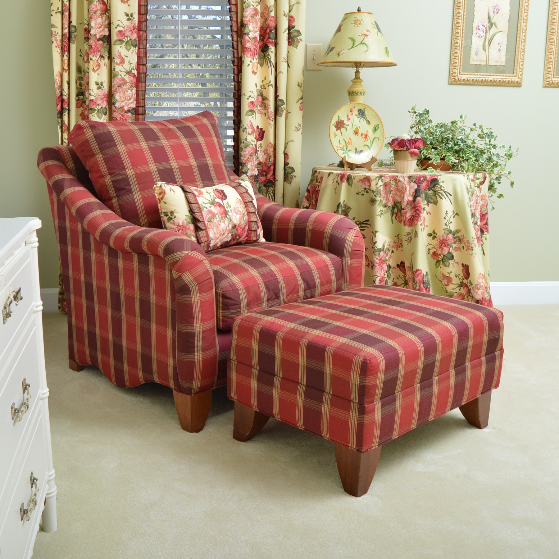 Bon Chair And Ottoman By Park Place Furniture ...