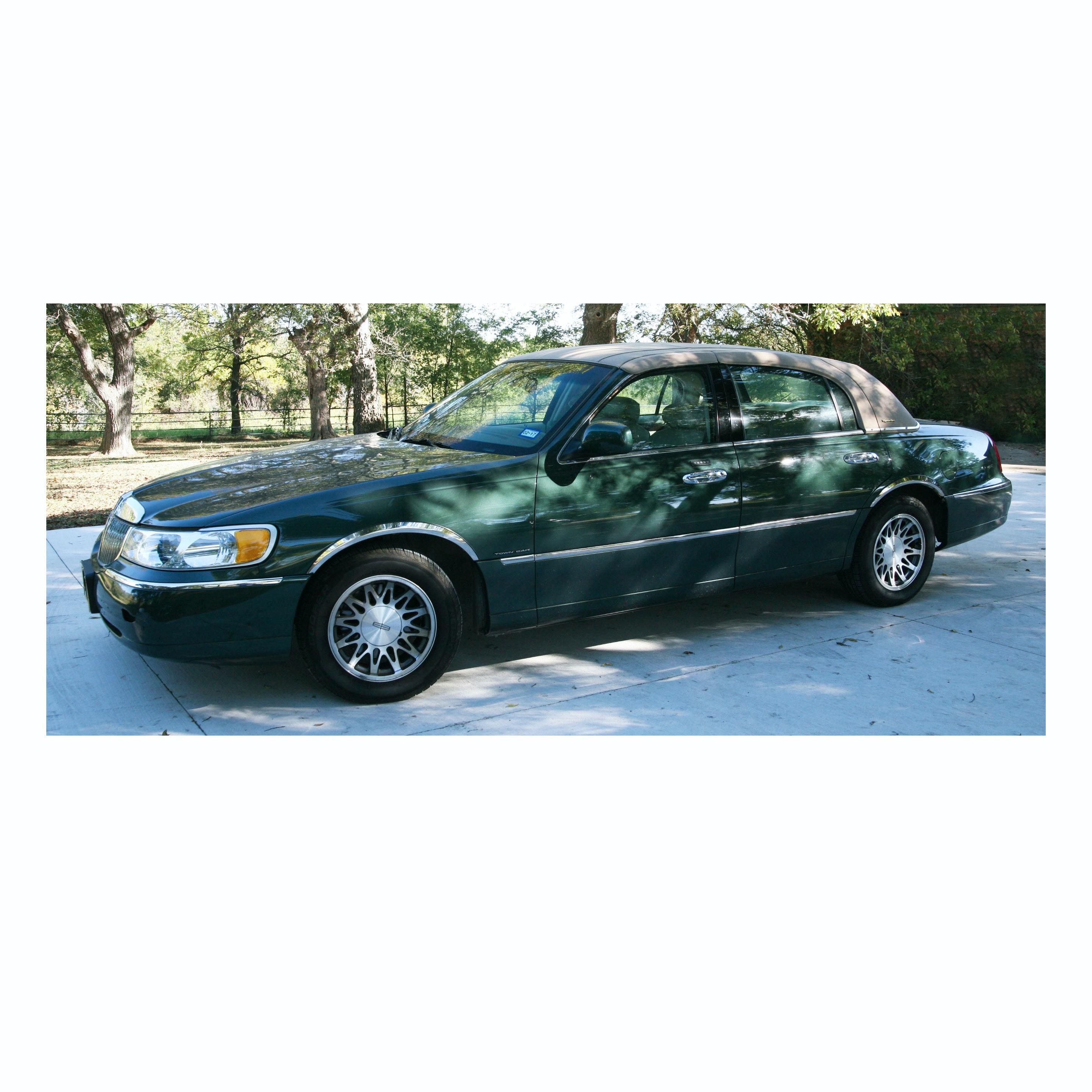 2001 Lincoln Town Car Signature Series Ebth