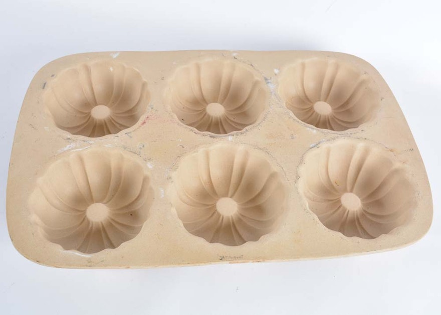 Pampered Chef Stoneware Mini Bundt Pan Ebth