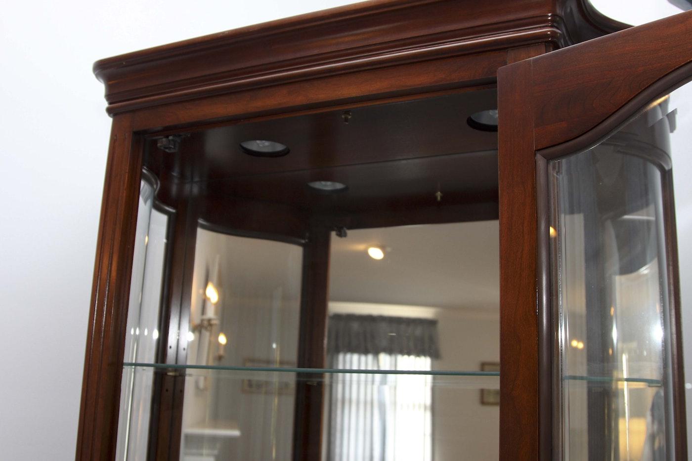 Curio Cabinet by Jasper Cabinet Company | EBTH