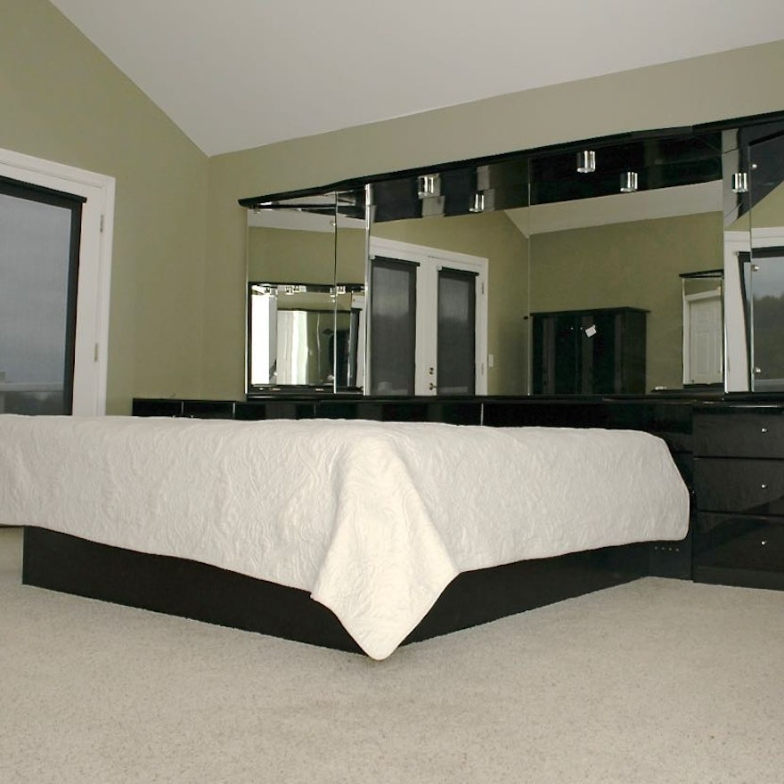 Contemporary Black Wall Unit With King Size Bed Frame : EBTH