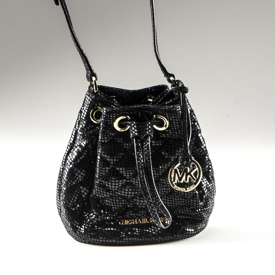 c67d76e29d5442 MICHAEL Michael Kors Jules Embossed Leather Drawstring Cross Body Bag : EBTH