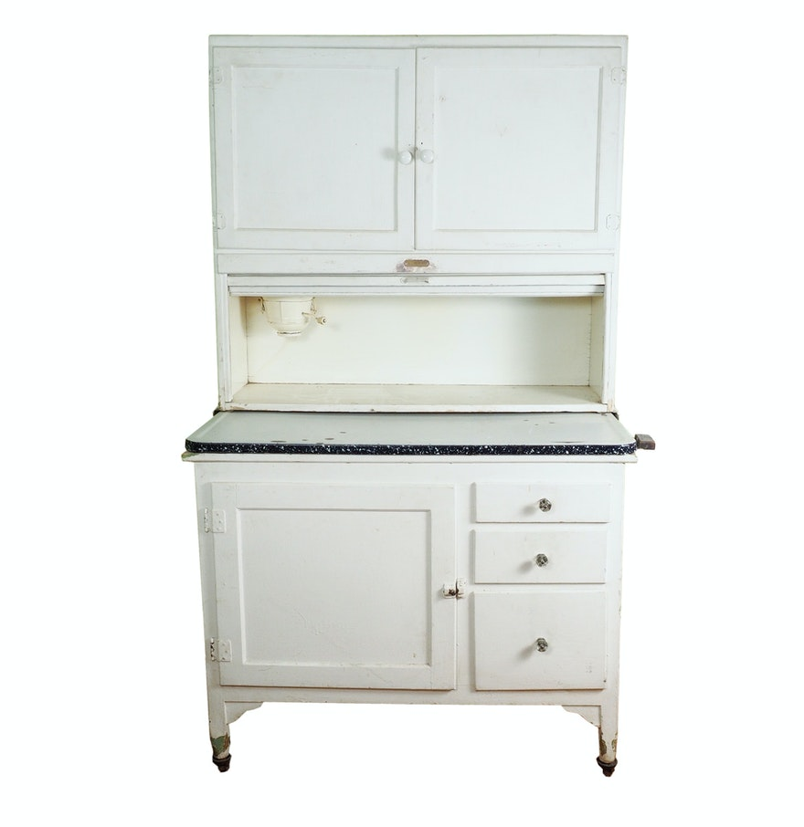 Sellers kitchen cabinet history sellers kitchen cabinet for Auctions kitchen cabinets